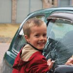車のボディについた水垢の落とし方。原因と対策方法は?