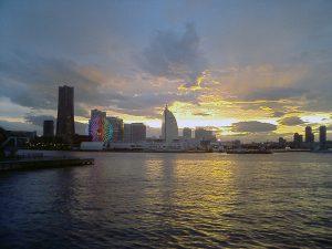 横浜湾の夜