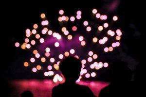 キレイに輝く花火