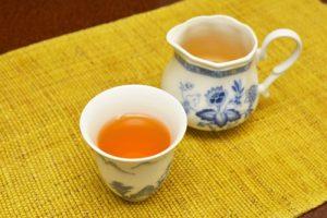 温かい烏龍茶