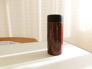 赤いステンレス水筒