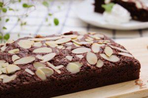 手作りのチョコケーキ