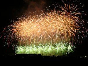 大曲の大きな花火