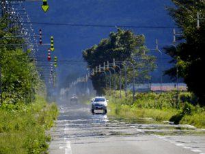 夏の暑い道路
