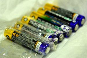乾電池6つ