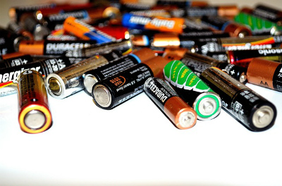 乾電池いろいろ