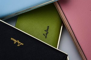 色んな色の財布