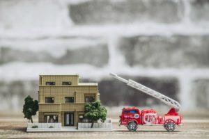 消防車の防火活動