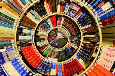 図書館の本のイメージ