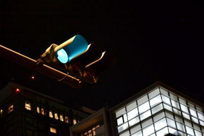 夜の信号機